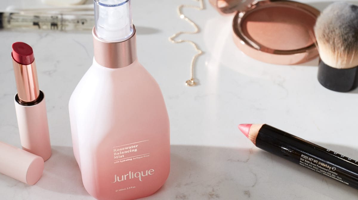How Hydrating Mists Work with Jurlique