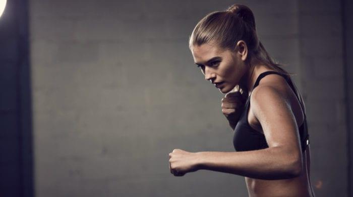 Edzés előtti formula nőknek | Mik az előnyei? Miért használjunk energizálót?