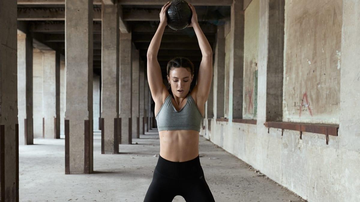 női súlyzós edzés