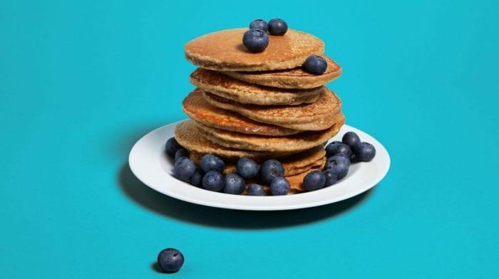 4 összetevős egyszerű, banános protein palacsinta recept | Pancake