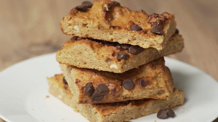 Ízletes vegán brownie | Fehérjében gazdag csicseriborsós blondie