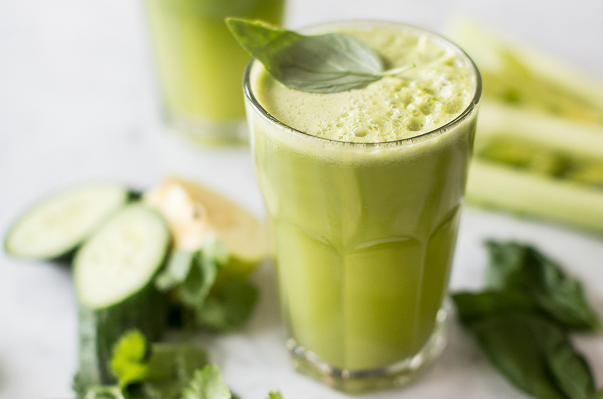 Simple Smoothie Recipes: Super Green & Herby
