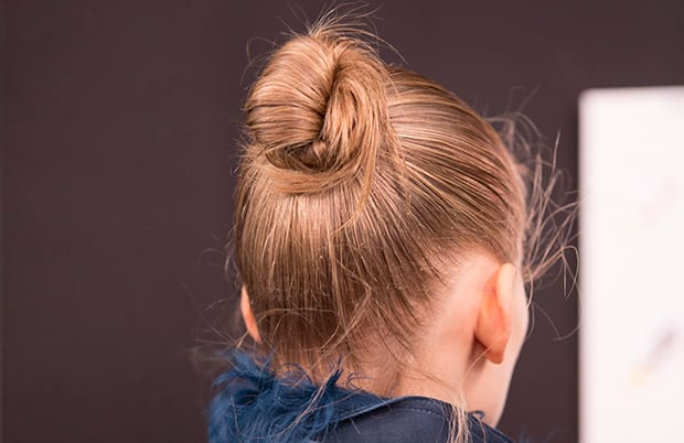 Summer-hair-how-to-top-knot