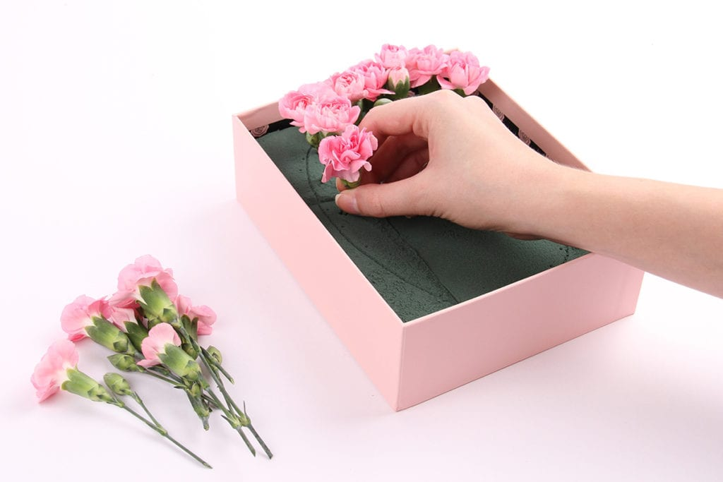 upscale-glossybox-floral-monogram-sign-step-three