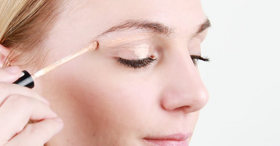 how-to-apply-concealer-3