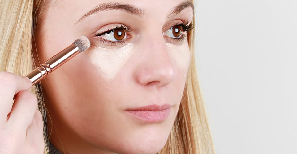 how-to-apply-concealer-1