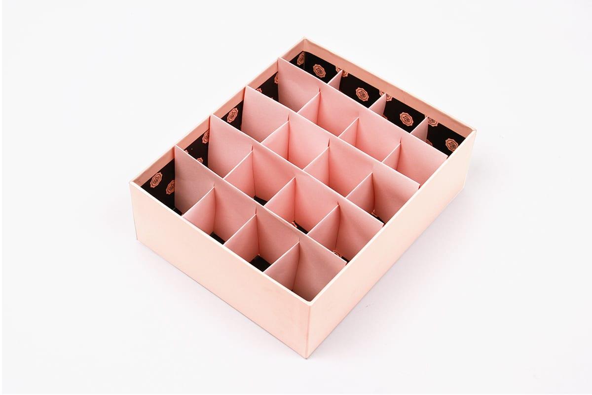 upscale-glossybox-beauty-organiser-lipstick-3