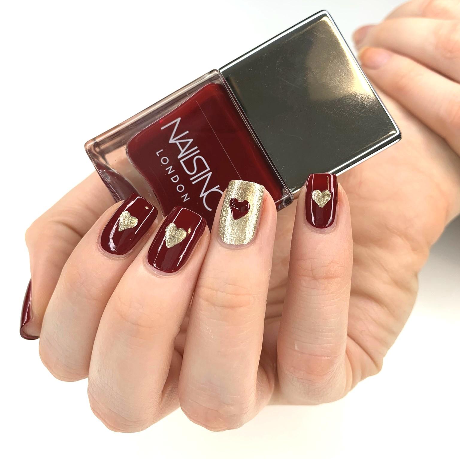 Valentine's nails GLOSSYBOX