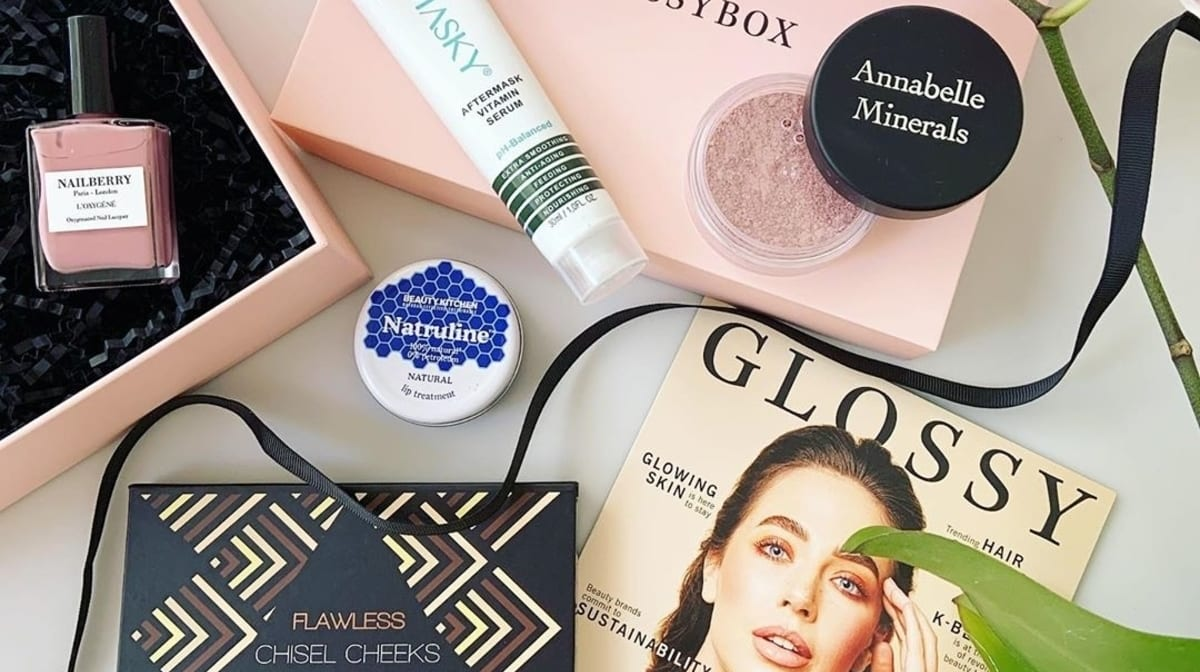 Reviews of GLOSSYBOX: May Trending Beauty Edit