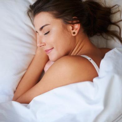 Schönheitsschlaf: Mit diesen Tricks schlummerst du gesünder
