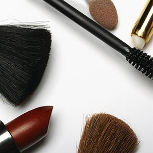 Film-Make-up! Zu diesen Tricks greifen Profis