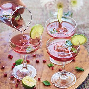 Delicious: Granatapfel-Pfeffer-Mocktail für deine Silvestersause