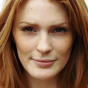 Clean Skin: Das musst du über den Make-up-Trend wissen
