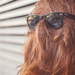 Nie wieder Frisuren-Fails! Mit diesen Tricks schummelst du dich jünger