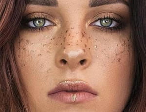 Metallic, Rainbow, Natural – wir punkten mit Fake Freckles!