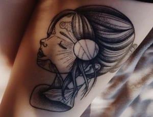 Körperkunst-Boost: Diese 9 Pflegetipps lassen dein Tattoo strahlen