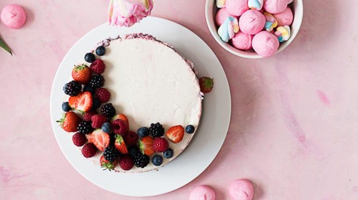 No-Bake Berry-Cake – Bei dieser Sommertorte bleibt der Ofen aus!