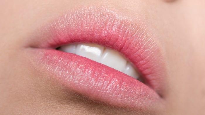 GLOSSY Tutorial: Ein Hauch von Rot mit den angesagten Gradient Lips