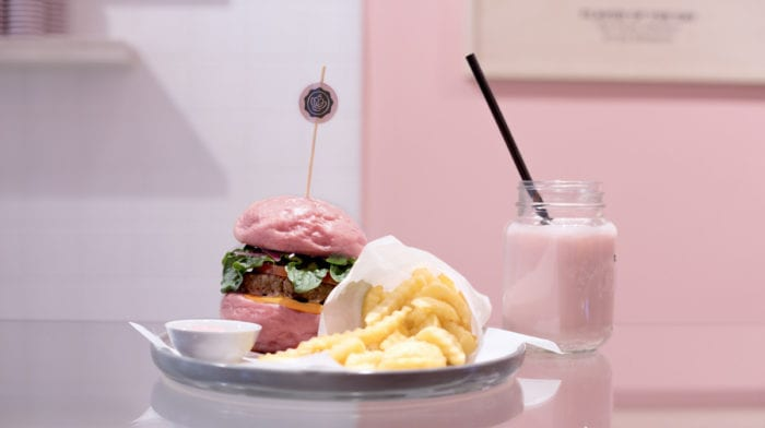 GLOSSYBOX goes rosa Food! Ab jetzt gibt's Burger und Co im GLOSSY Style