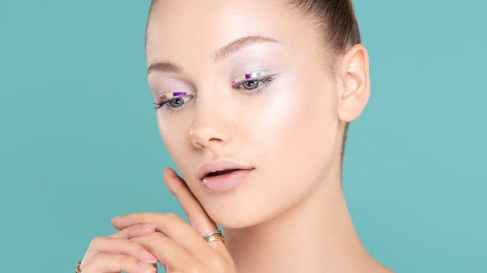 GLOSSY Tutorial: Augen-Make-up mit dem Dazzliner? So geht's!
