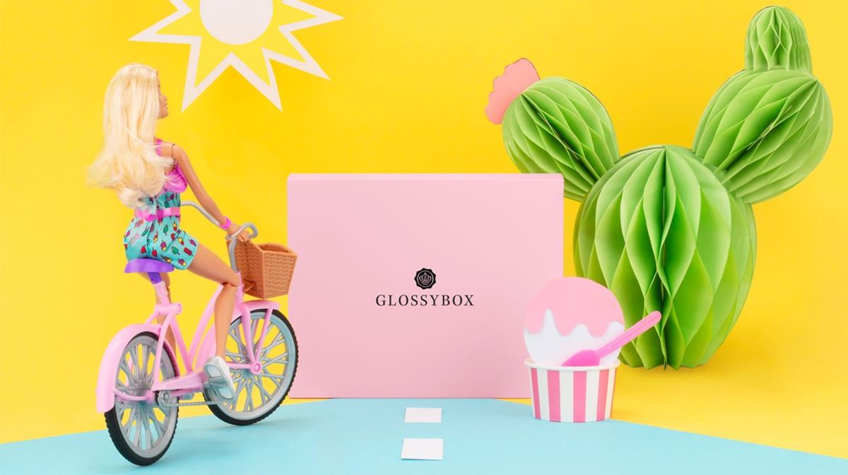 Hier kommt geballte GRL PWR mit deiner GLOSSYBOX im August!