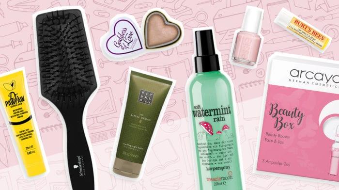 GLOSSY Insides: Diese Beauty-Produkte liegen auf unseren Schreibtischen im Gloffice