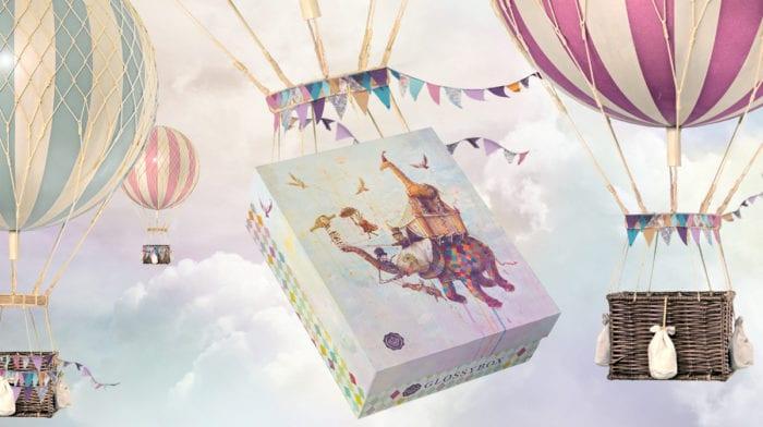 GLOSSYBOX im September: Vorhang auf für die Beauty World Tour Edition!