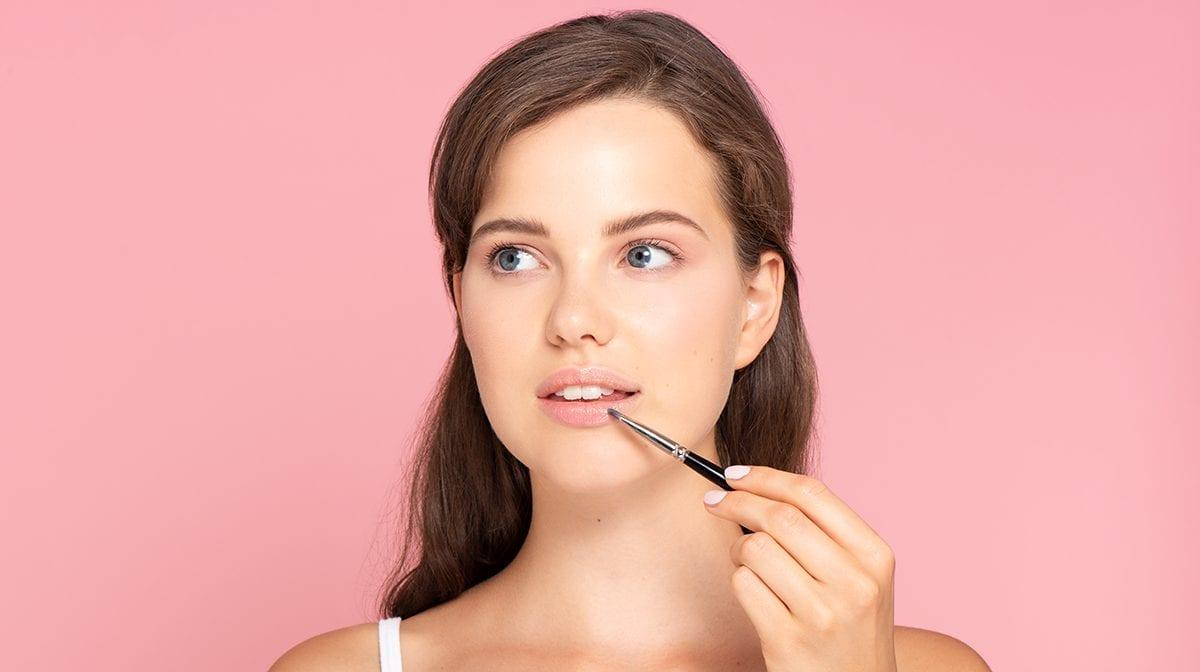 volle-Lippen-schminken-Konturieren-tricks
