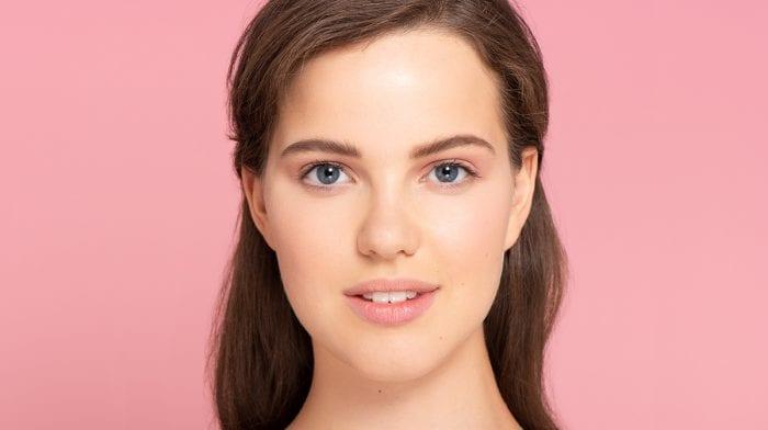 GLOSSY Tutorial: So formst du deine Augenbrauen richtig