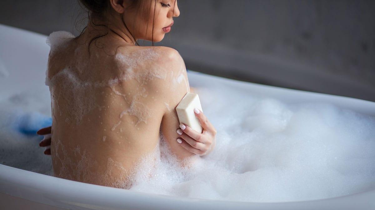 Baden vs. Duschen! Das solltest du rund um deine LieblingsRITUALe wissen