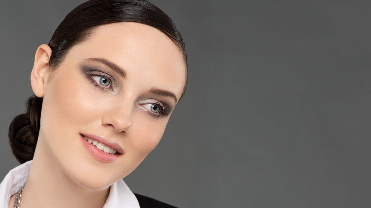 GLOSSY Tutorial: Lass es an Silvester richtig krachen mit diesem Make-up-Look
