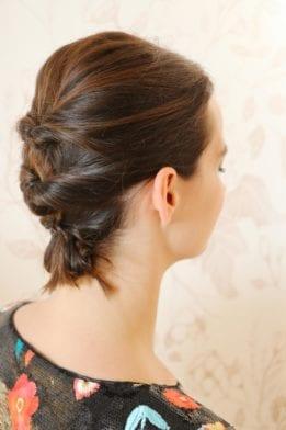 Un chignon pour cheveux courts