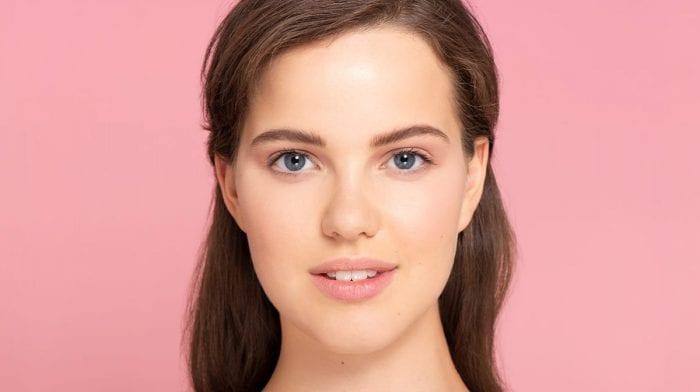 GLOSSY Tutoriel : comment redéfinir vos sourcils sans passer par la case institut ?