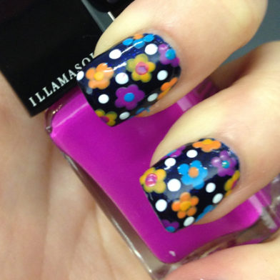 Samantha's Mid-Week Inspiration: Flower Nail Art Tutorial