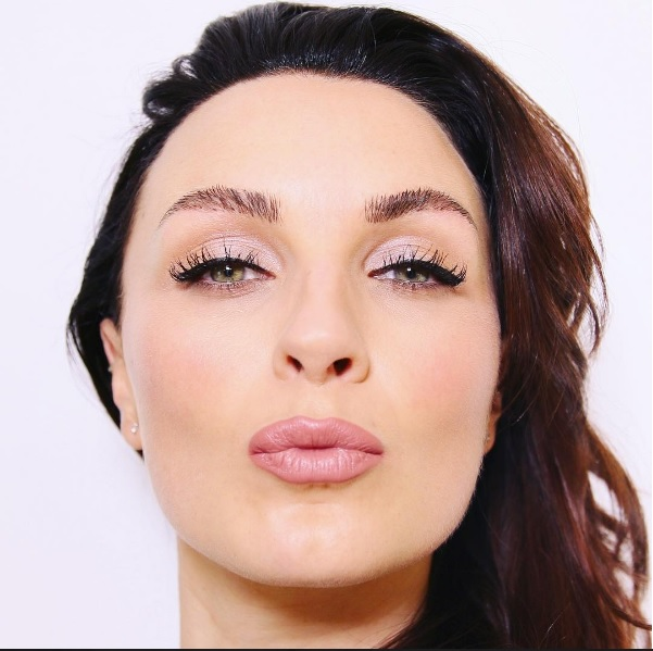 pixiwoo_lipstick