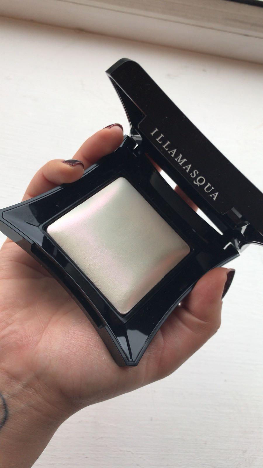 Illamasqua daze highlighter