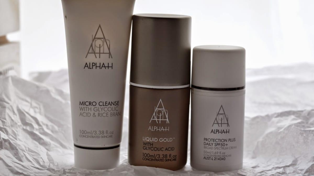 Poni Cosmetics The White Knight Mascara Australia Day sale