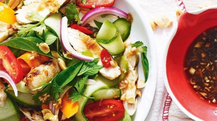 低卡午餐 | 鸡肉牛油果花生沙拉