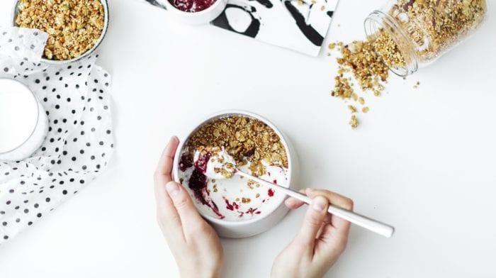 减脂瘦身界一大谜团—选择低脂饮食 OR 低糖饮食?