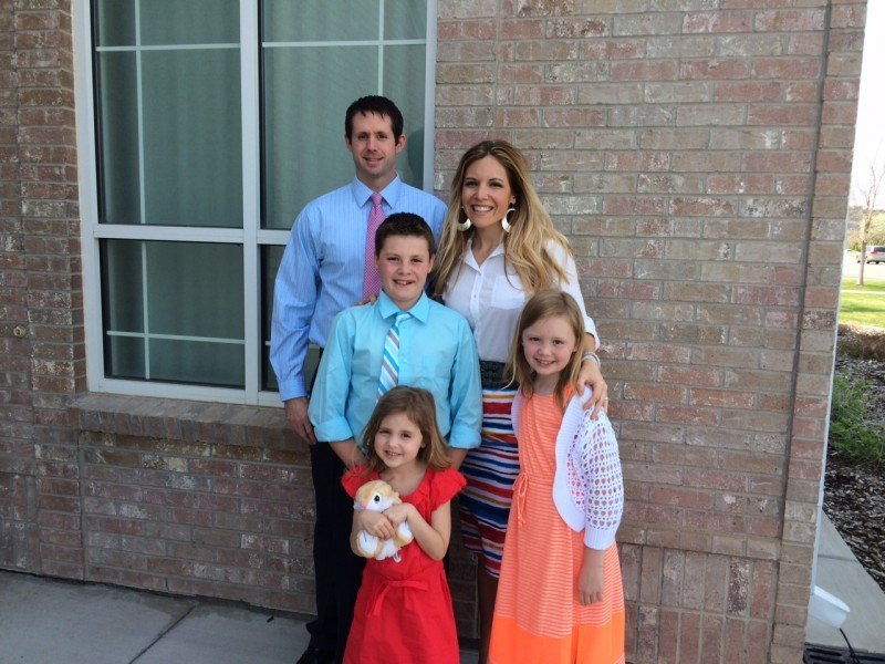 Trainer Lindsey with Husband and Three Kids
