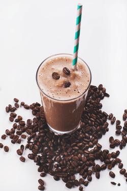 Smoothie recipe for weight loss IdealShape Dark Chocolate Shake