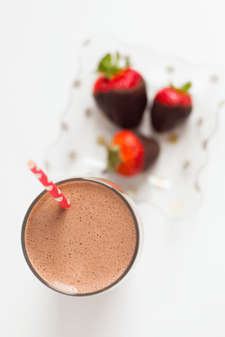 IdealShape Chocolate Covered Strawberry Meal Replacement Smoothie