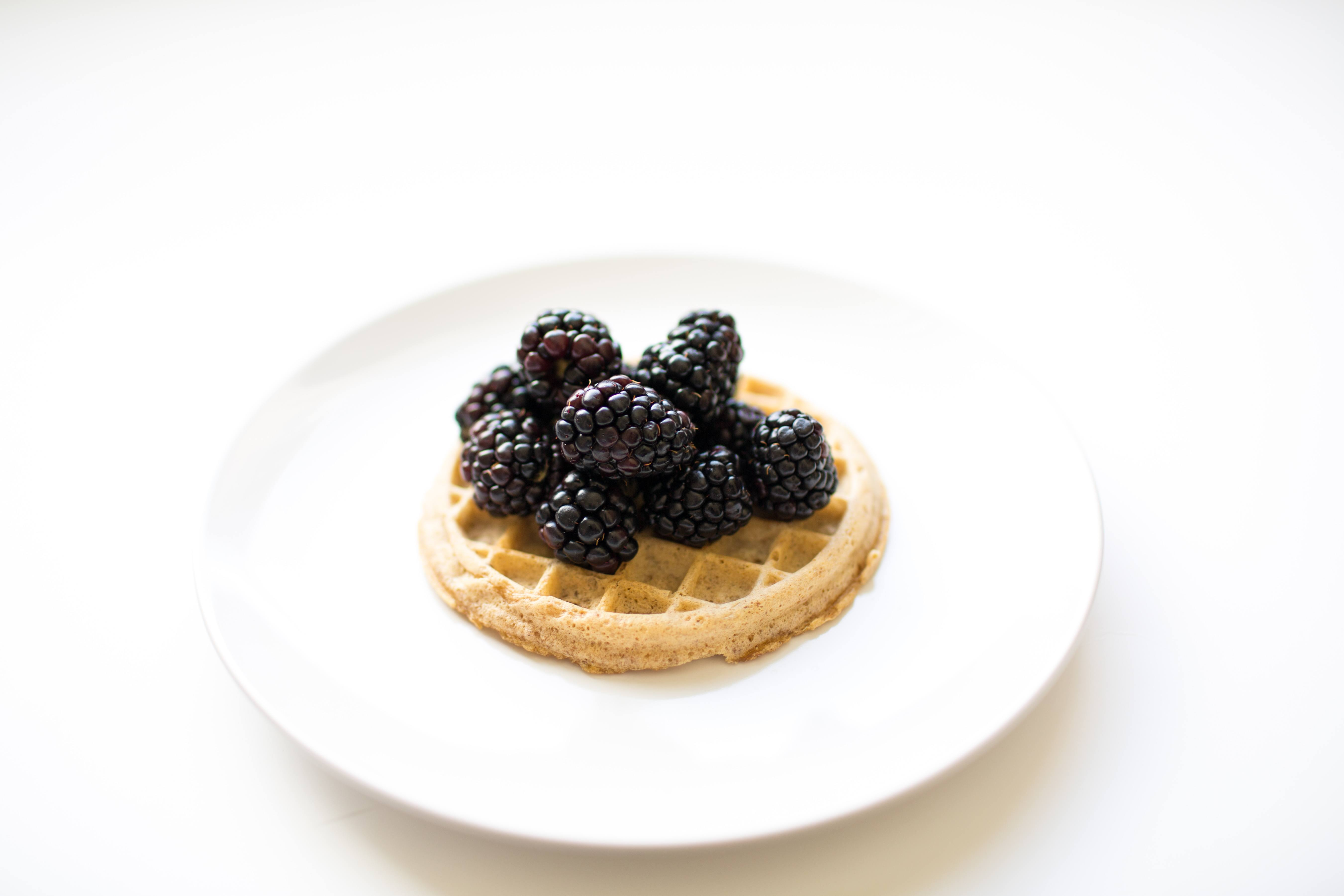 100 calorie snack Kashi waffle with blackberries