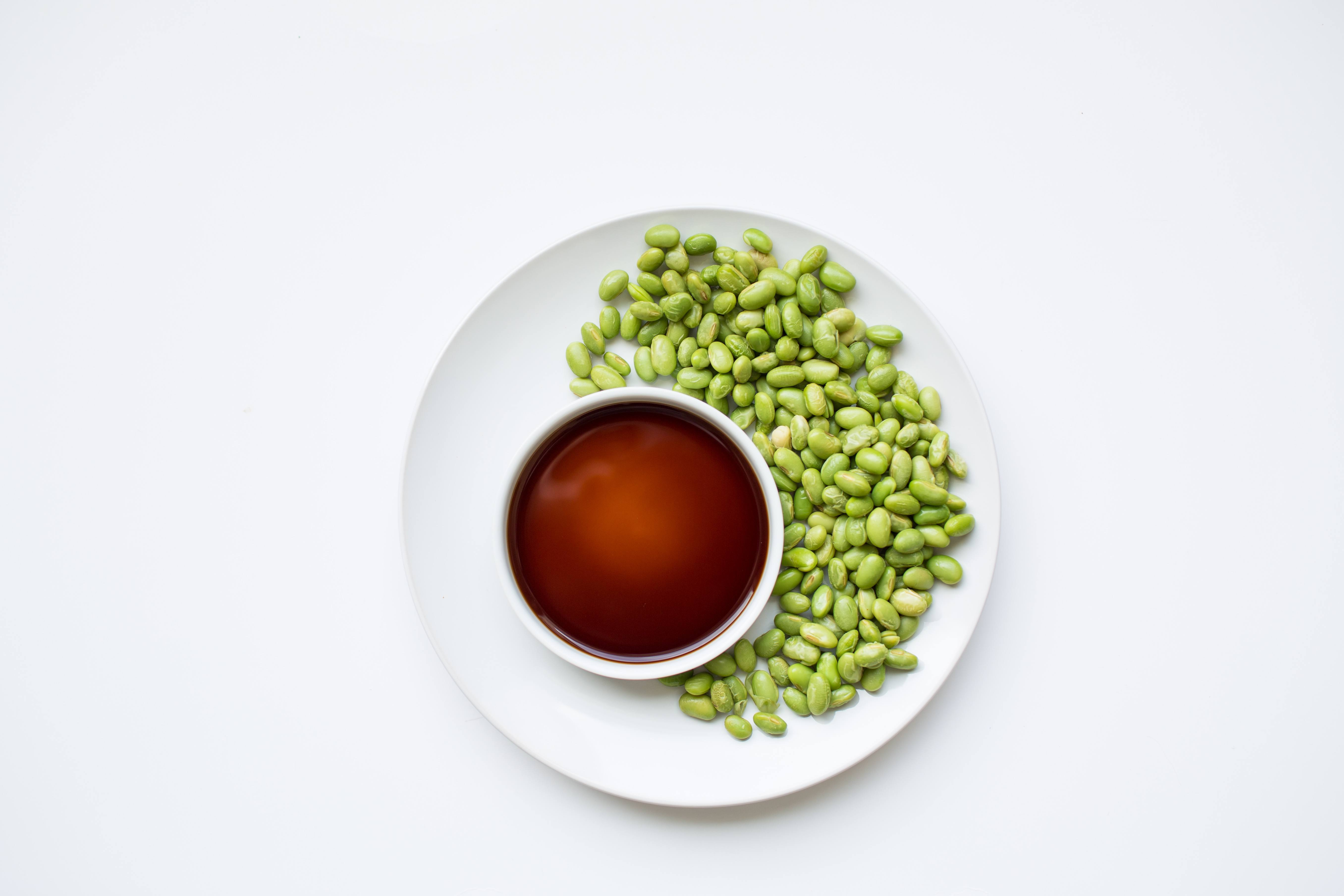 100 calorie snack edamame and soy sauce