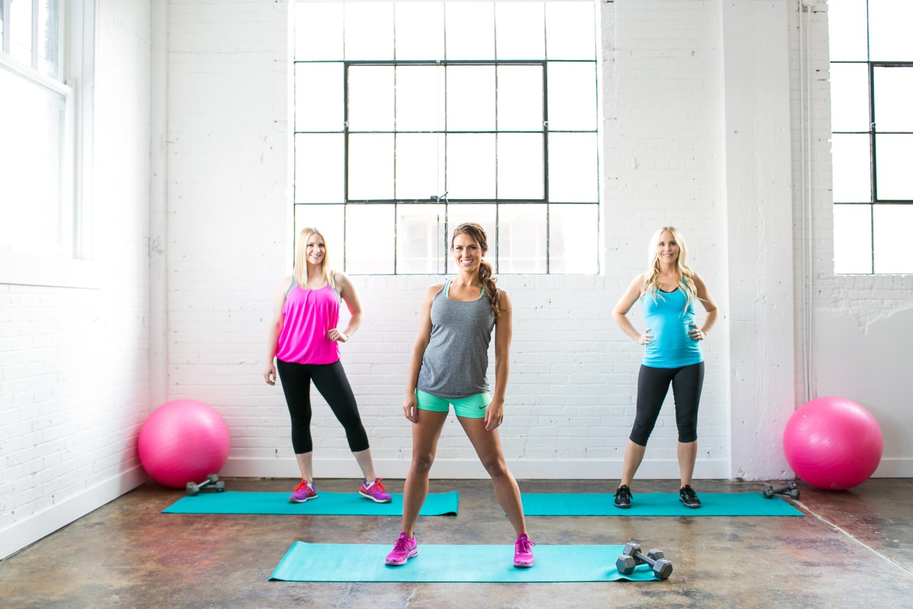 15 Day Mommy Fit 3 women getting ready to exercise