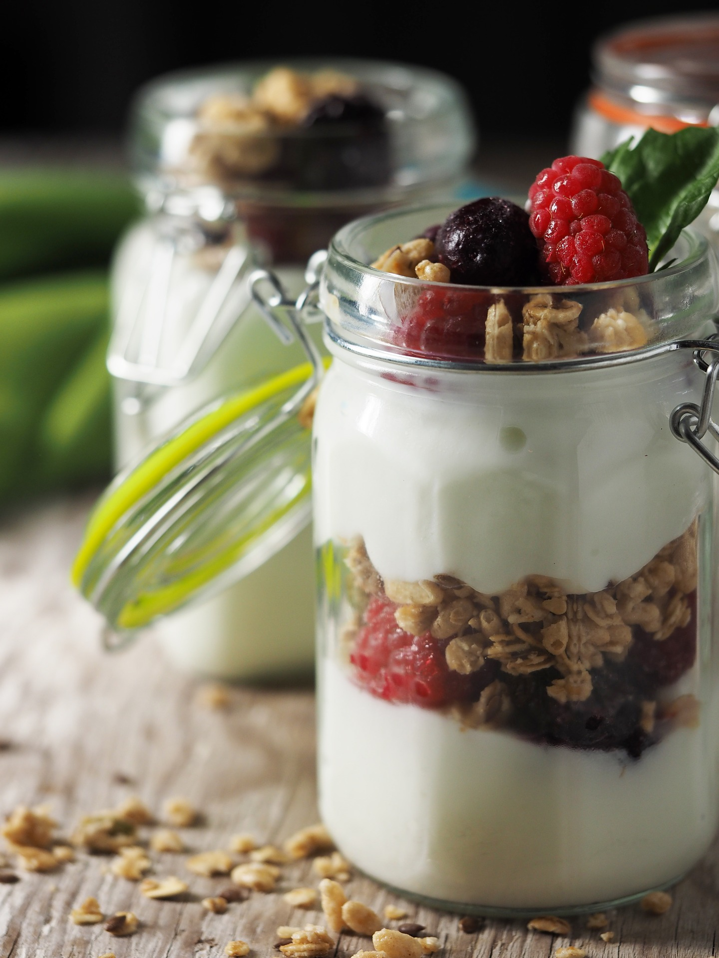 Lemon-Berry Greek Yogurt Parfait