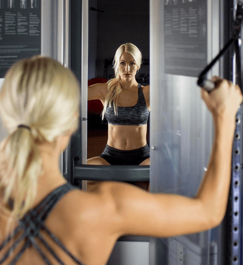 kami working out looking at mirror