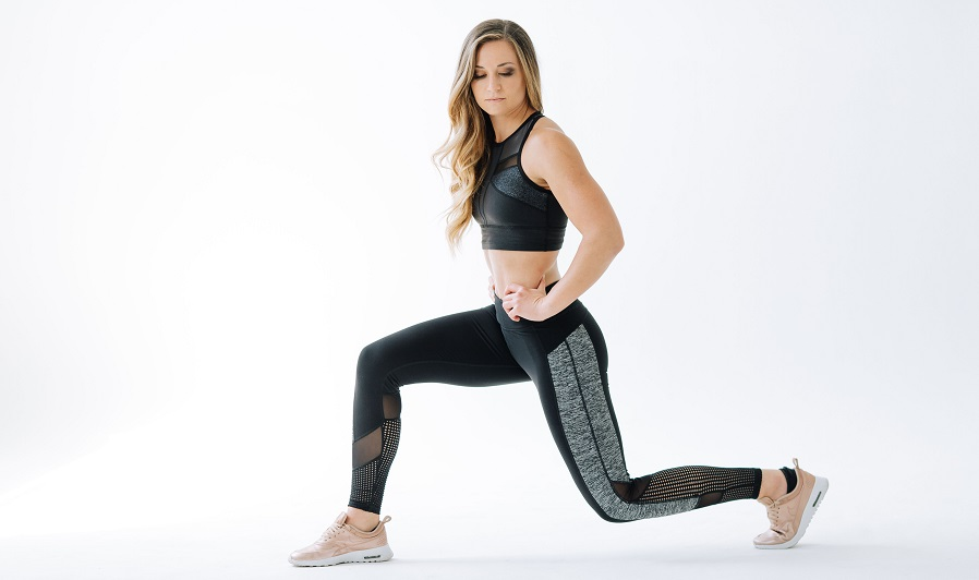 Burning calories with doing lunges