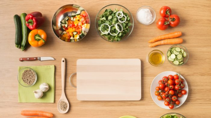 8 Ways to Save More Than EVER on Healthy Groceries This Year