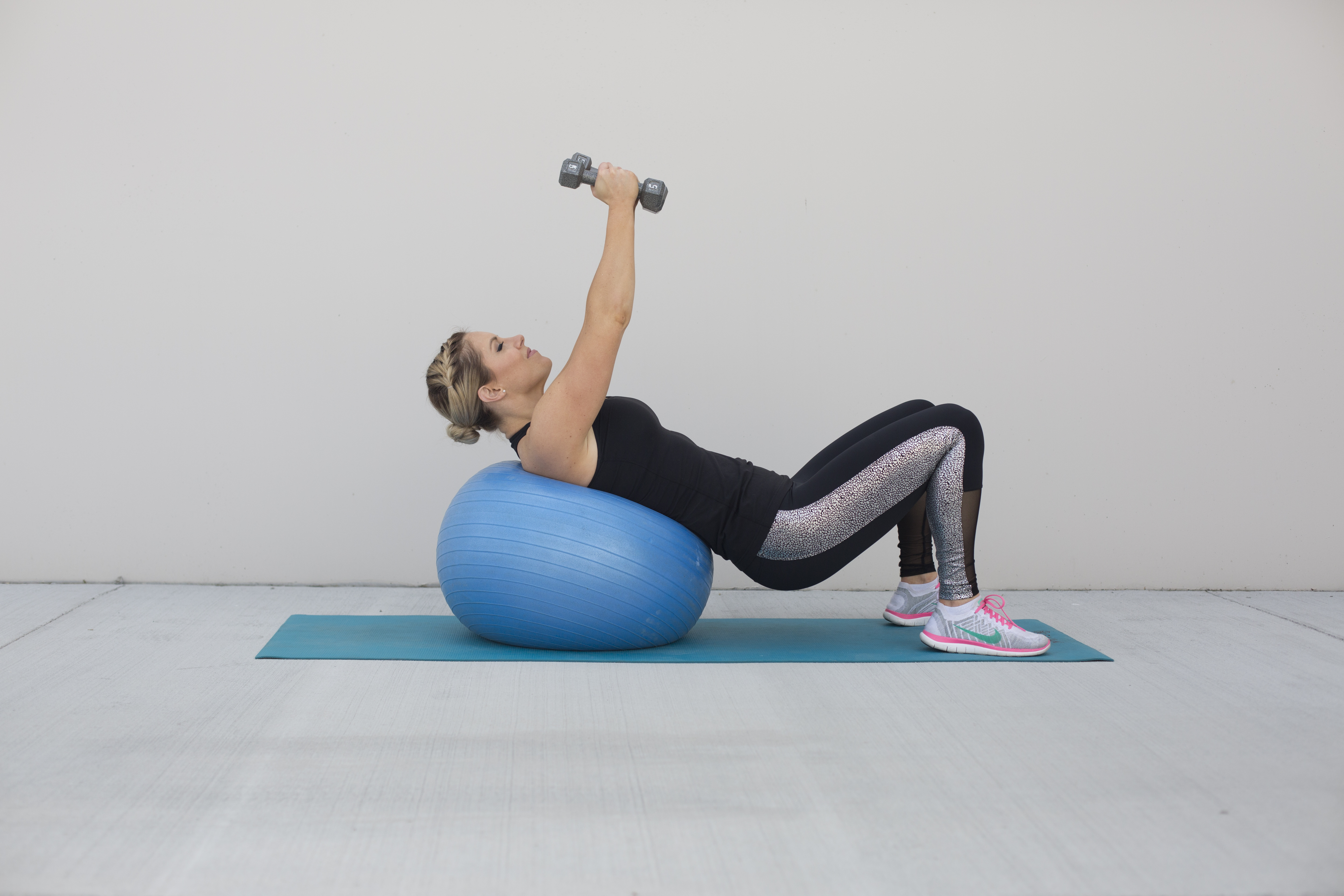 Incline Dumbbell Fly Exercise Step 1